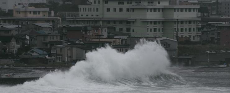 小形風力発電機は台風に耐えられるか?